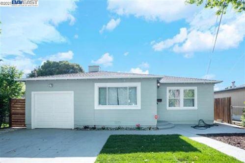 Photo of 1144 Laurel Ave, EAST PALO ALTO, CA 94303 (MLS # 40954962)