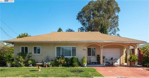 Photo of 27942 Ingram Pl, HAYWARD, CA 94544 (MLS # 40885964)