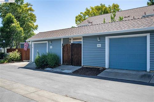 Photo of 1044 Glenn Cmn, LIVERMORE, CA 94551 (MLS # 40910964)
