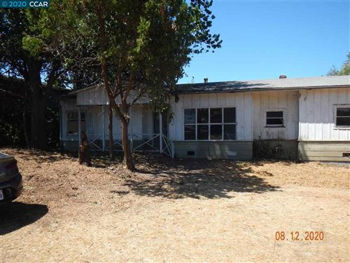 Photo of 825 Vine Ave, MARTINEZ, CA 94553 (MLS # 40925964)
