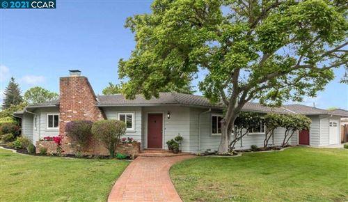 Photo of 2 Monte Vista Way, GILROY, CA 95020 (MLS # 40946964)