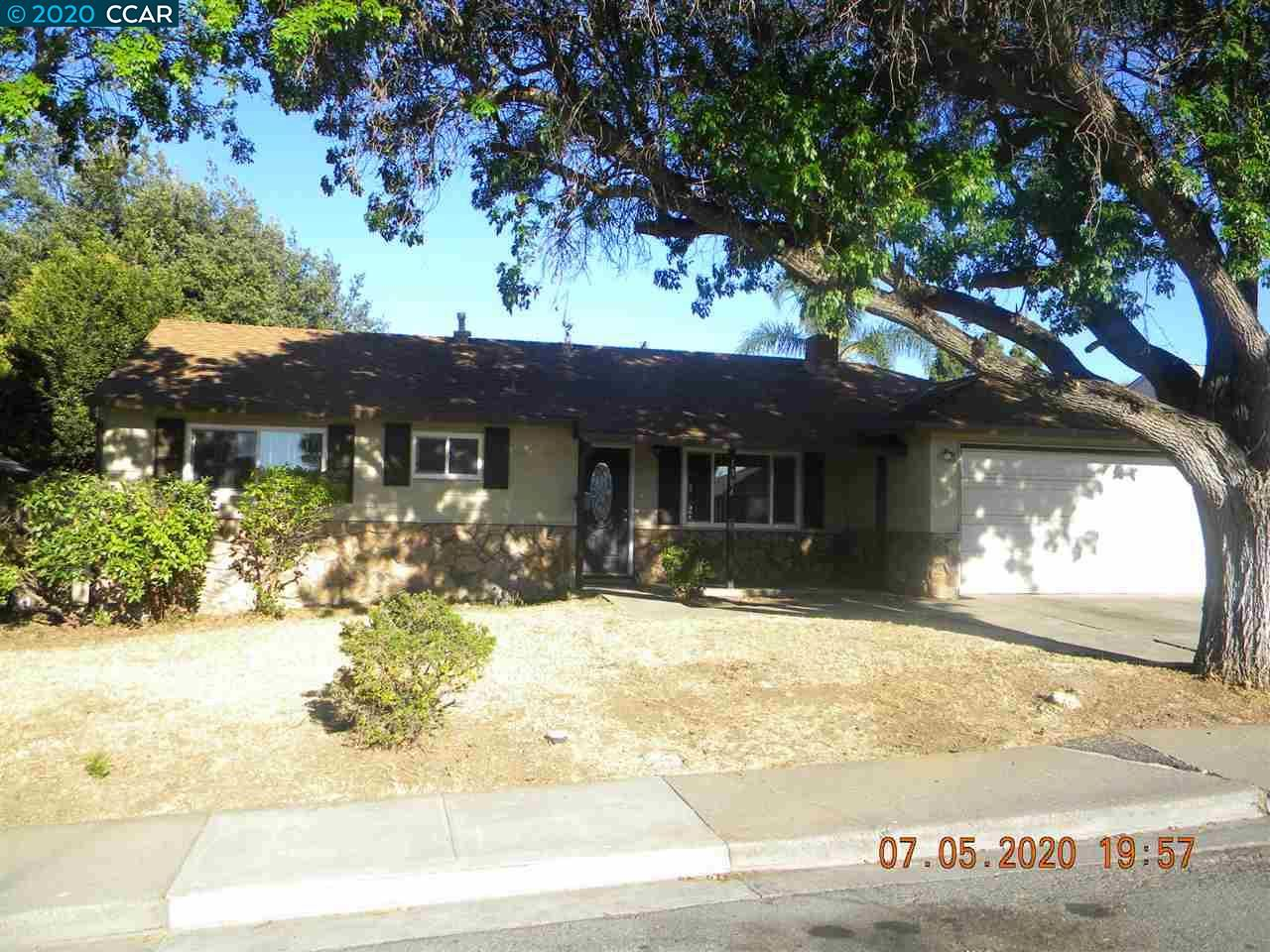 Photo of 1304 Louis Dr, ANTIOCH, CA 94509 (MLS # 40911965)