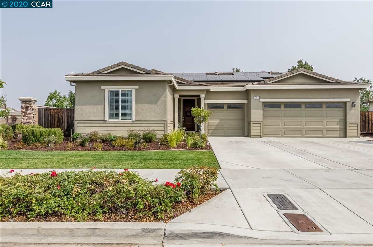 Photo for 701 Kineo Ct, OAKLEY, CA 94561 (MLS # 40920965)