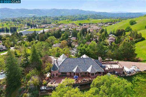 Photo of 176 Mountain Canyon Ln, ALAMO, CA 94507 (MLS # 40895966)