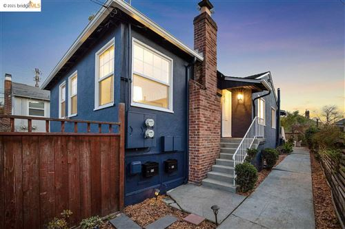 Photo of 405 Alcatraz Ave, OAKLAND, CA 94609 (MLS # 40933966)