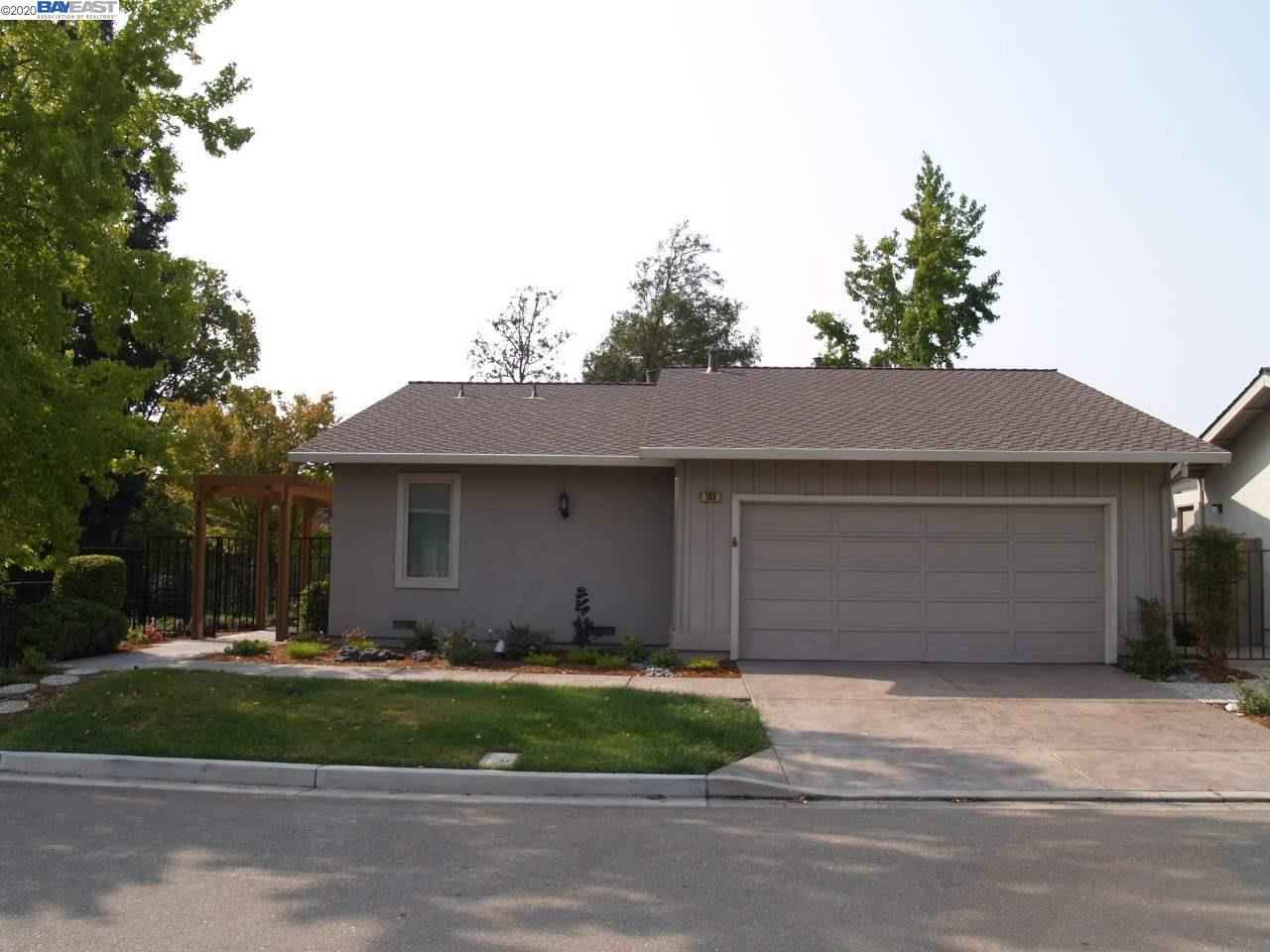 Photo for 703 Paradise Valley Ct, DANVILLE, CA 94526 (MLS # 40920966)