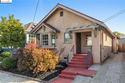 Photo of 6214 Baker St, OAKLAND, CA 94608 (MLS # 40885967)