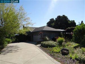 Photo of 7 Avon Ct, DANVILLE, CA 94526 (MLS # 40852968)