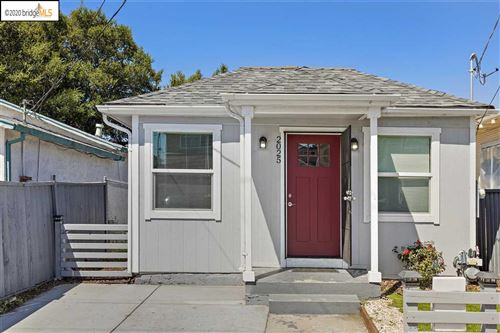 Photo of 2025 81st Ave, OAKLAND, CA 94621 (MLS # 40900968)