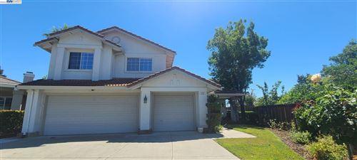 Photo of 232 Chatham Ter, DANVILLE, CA 94506 (MLS # 40964968)