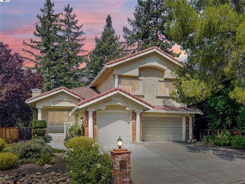 Photo of 805 Eastbrook Ct, DANVILLE, CA 94506 (MLS # 40965970)