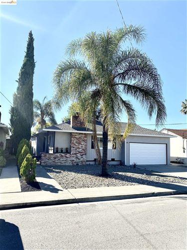 Photo of 22029 Betlen Way, CASTRO VALLEY, CA 94546 (MLS # 40967970)