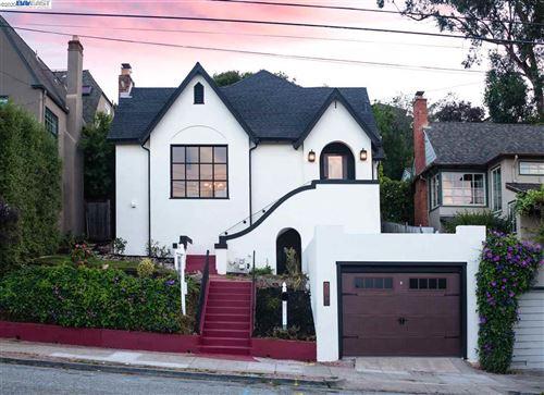 Photo of 6744 Manor Crst, OAKLAND, CA 94618 (MLS # 40906971)
