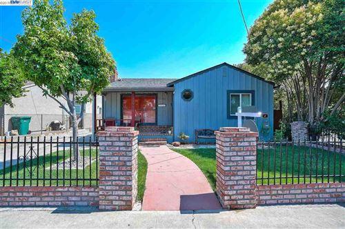 Photo of 22592 Pearl Ave, HAYWARD, CA 94541 (MLS # 40890973)