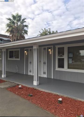 Photo of 5483 Sandmound Blvd, OAKLEY, CA 94561 (MLS # 40922973)