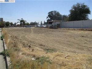 Photo of 713 10Th St, WASCO, CA 93280 (MLS # 40885974)