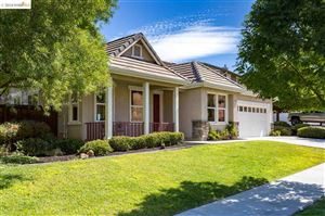 Photo of 702 San Juan Oaks Rd, BRENTWOOD, CA 94513 (MLS # 40844975)