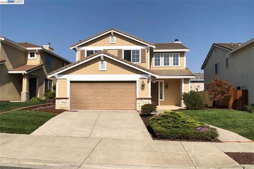 Photo of 25768 Durrwood Ct, CASTRO VALLEY, CA 94552 (MLS # 40922975)