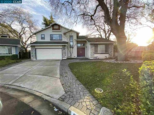 Photo of 975 Gaylord Pl, CONCORD, CA 94518 (MLS # 40891981)
