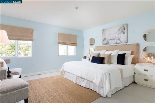 Tiny photo for 201 3Rd St #301, OAKLAND, CA 94607 (MLS # 40914983)