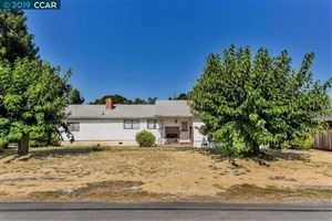 Photo of 1040 Hook Ave, PLEASANT HILL, CA 94523 (MLS # 40877985)