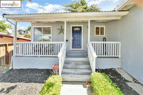 Photo of 2181 Walnut St, MARTINEZ, CA 94553 (MLS # 40905985)