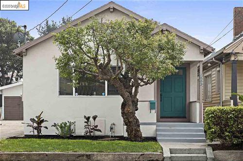 Photo of 1083 Alcatraz Ave, OAKLAND, CA 94608 (MLS # 40920986)