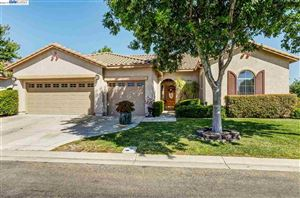 Photo of 527 Arlington Dr, RIO VISTA, CA 94571 (MLS # 40877987)