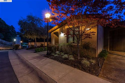 Photo of 84 Siena Dr, OAKLAND, CA 94605 (MLS # 40900988)
