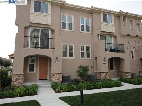 Photo of 110 Heligan Ln #13, LIVERMORE, CA 94551 (MLS # 40912989)