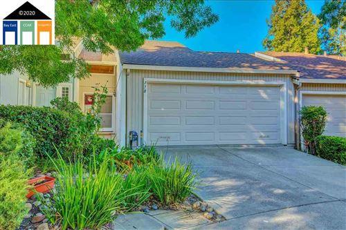 Photo of 278 Scottsdale Rd, PLEASANT HILL, CA 94523 (MLS # 40927989)