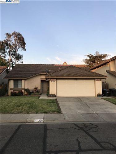 Photo of 228 Sunhaven Dr, FAIRFIELD, CA 94533 (MLS # 40959989)