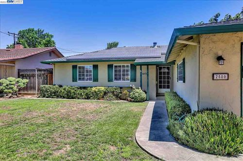 Photo of 2580 Leigh Ave, SAN JOSE, CA 95124 (MLS # 40952990)