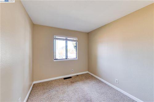 Tiny photo for 26521 Sunvale Ct, HAYWARD, CA 94544 (MLS # 40929992)