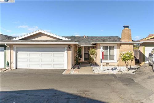 Photo of 1012 View Drive, RICHMOND, CA 94803-1250 (MLS # 40957993)