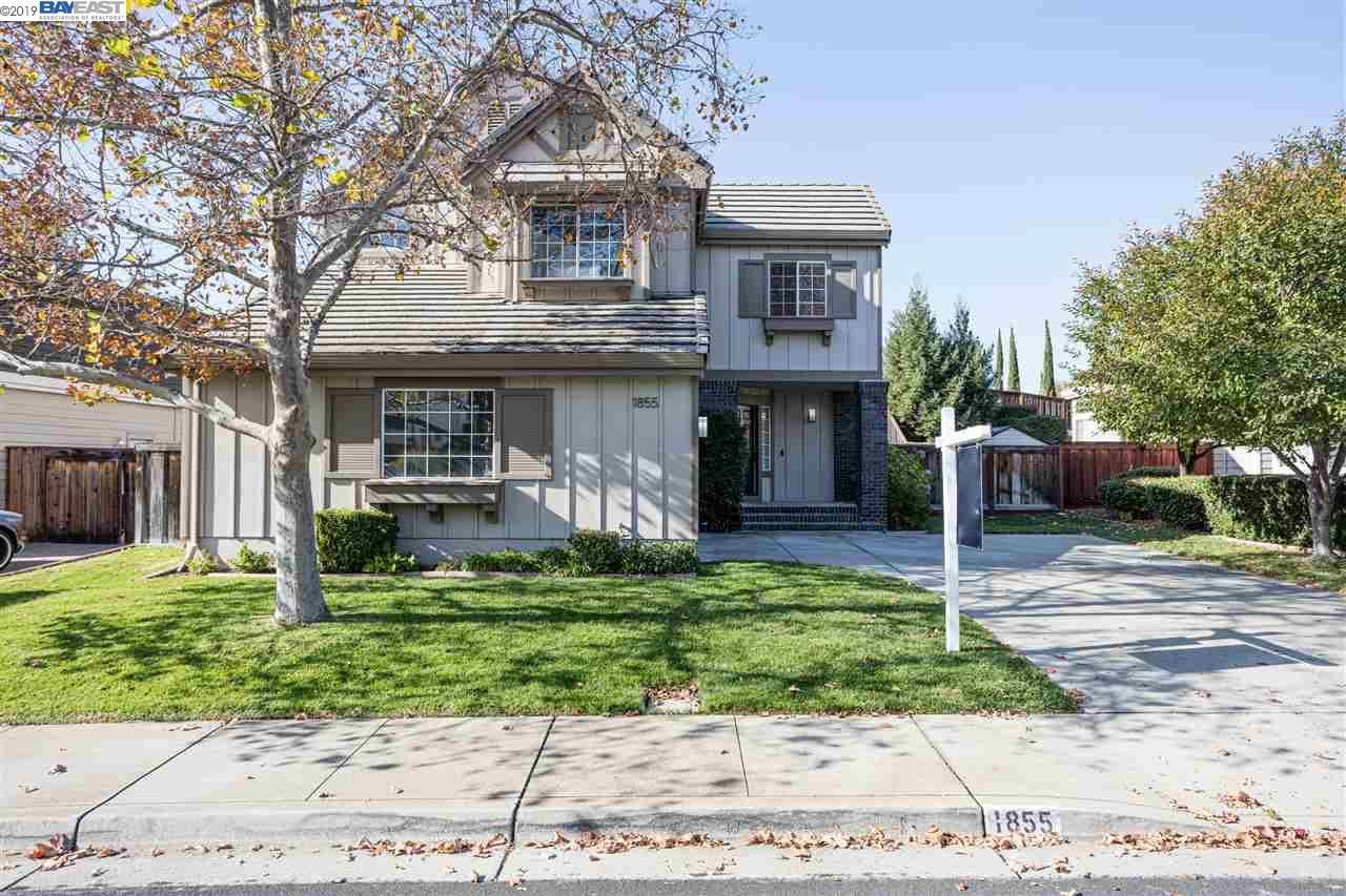 Photo for 1855 Eagle Peak Ave, CLAYTON, CA 94517 (MLS # 40889995)