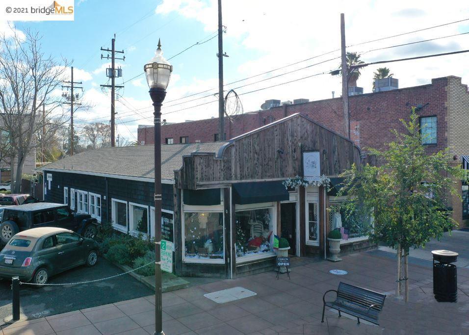 Photo of 220 Oak St, BRENTWOOD, CA 94513 (MLS # 40934995)