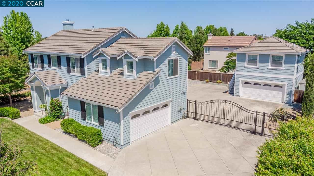 Photo of 2950 Maplewood Ct, BRENTWOOD, CA 94513 (MLS # 40905997)