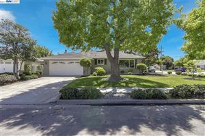 Photo of 4170 Mattos Dr, FREMONT, CA 94536 (MLS # 40866998)