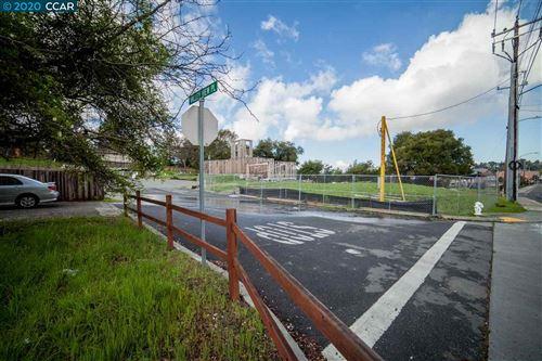 Photo of 208 Valley View Ct, EL SOBRANTE, CA 94803 (MLS # 40899998)