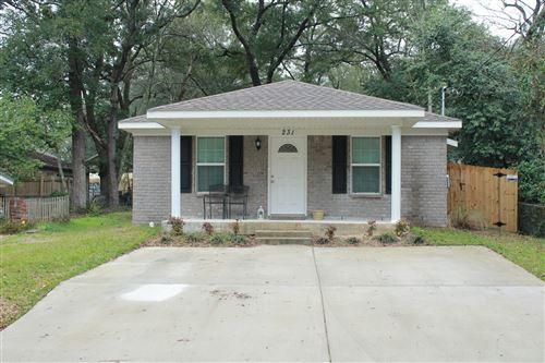 Photo of 231 White Street, Niceville, FL 32578 (MLS # 863043)