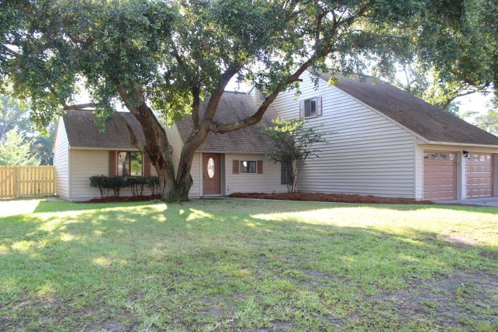 301 Timberlake Court, Mary Esther, FL 32569 - #: 849065