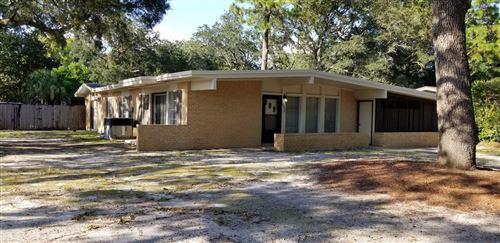 Photo of 128 Jamestown Avenue, Fort Walton Beach, FL 32547 (MLS # 852324)