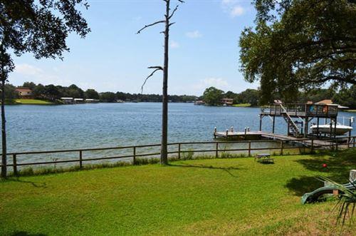 Photo of 612 Pelham Road, Fort Walton Beach, FL 32547 (MLS # 862621)