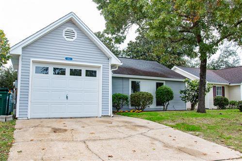 Photo of 164 Meadowbrook Court, Niceville, FL 32578 (MLS # 809705)