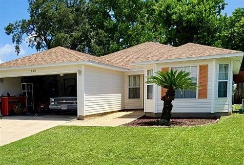 Photo of 988 John Wayne Circle, Fort Walton Beach, FL 32547 (MLS # 859941)
