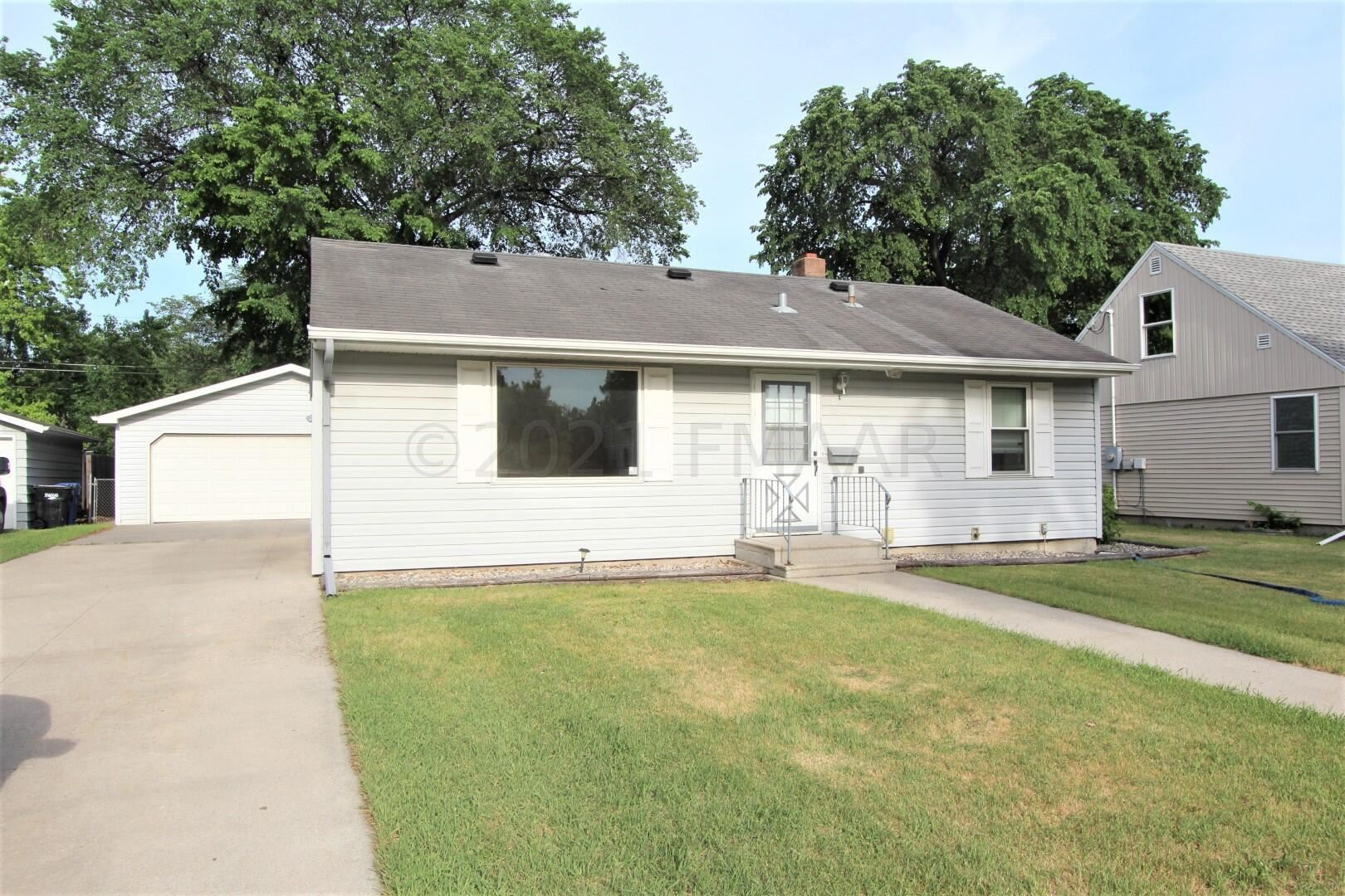 822 18 Street S, Fargo, ND 58103 - #: 21-5033