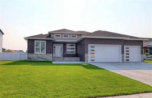 Photo of 3664 VALLEY VIEW Drive S, Fargo, ND 58104 (MLS # 21-4226)