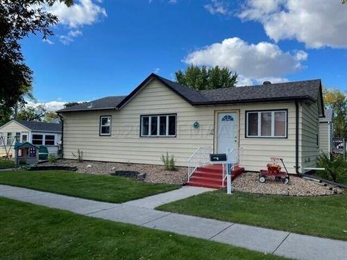 Photo of 224 NEBRASKA Avenue, Breckenridge, MN 56520 (MLS # 21-5277)