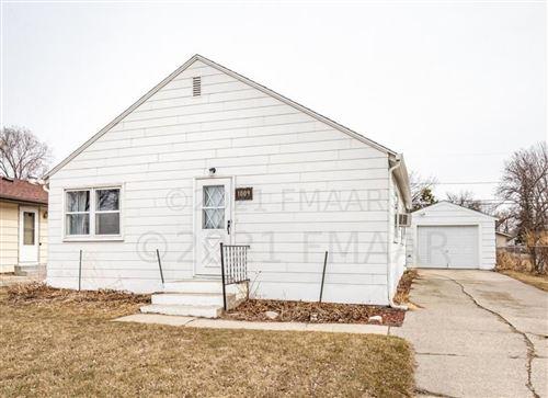Photo of 1009 29 Street N, Fargo, ND 58102 (MLS # 21-320)